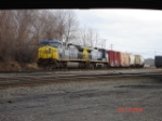 CSX 460 & CSX 27 head WB with the CSX Q285